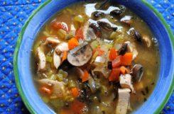 Диетический суп из индейки с белыми грибами