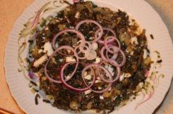 Салат из морской капусты со свежими огурцами