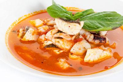 Рецепт диетического рыбного супа из консервированного лосося