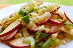Диетический салат с сельдереем и редисом при сахарном диабете