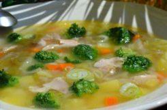 Диетический суп из куриной грудки с имбирем и брокколи
